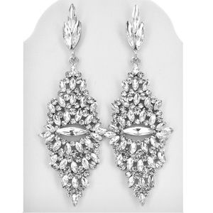 Gorgeous and classy silver rhinestone earrings